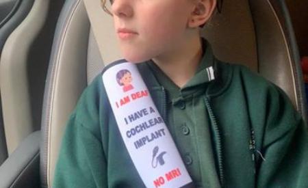 Mamma inventa cinture di sicurezza che allertano — virale